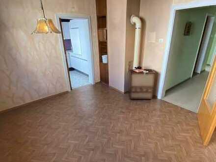 Einfamilienhaus mit ca. 115 qm Wohnfläche und Scheune zu verkaufen!!
