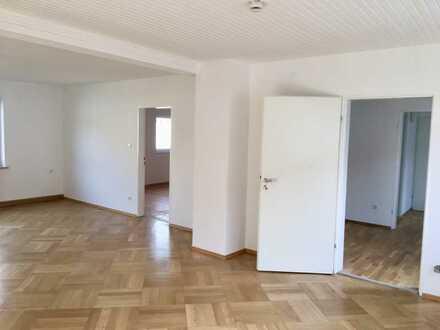 Schöne, geräumige 2 Zimmer Whg in Schierling