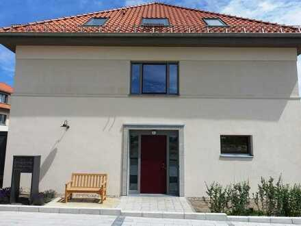 """Wohnen in """"G.O.L.D"""" - Charmantes Familienhaus mit Süd-Terrasse und Garten"""
