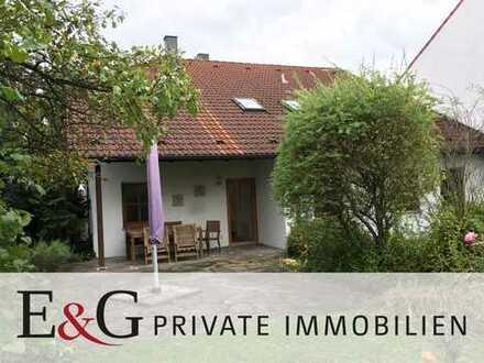 ***Attraktives 1-2-Familienhaus im Landhausstil mit großem Garten in Freiberg am Neckar***