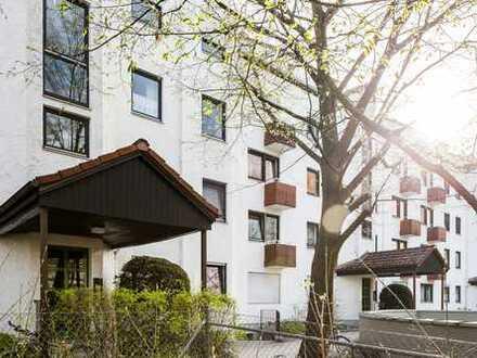 Sehr schön geschnittene große helle 4 ZKB Wohnung in ruhiger u. zentraler Lage