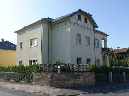 Helle 5-Zimmer-Dachgeschosswohnung in bester Lage oberhalb von Radebeul-West