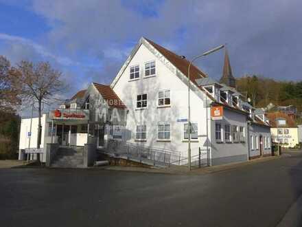 ++ Geschäfts- und Wohnhaus und großes Grundstück ++