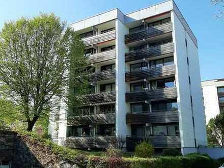 Sonnige 6-Raum-Wohnung mit EBK, 4 Balkonen, 2 Tiefgaragenplätzen in Kaufbeuren