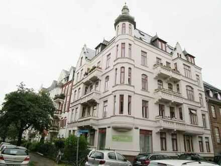 Gründerzeitwohnung am Schrevenpark - Zentral gelegene 4 Zimmer Wohnung mit 2 Balkon (WE4)