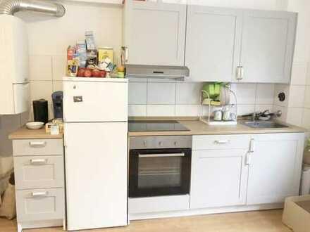 Helle 1-Zimmer Wohnung mit toller Wohnküche in zentraler Lage! Küchenübernahme möglich!