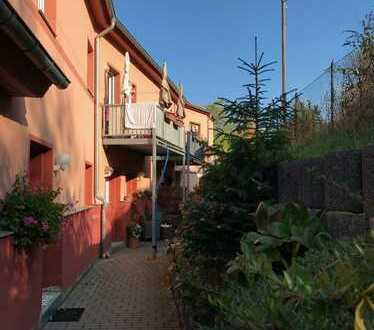 3-Zimmer-Wohnung direkt am Planitzer Markt!