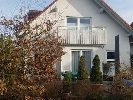 Gepflegtes Einfamilienhaus mit 5 Zimmern / EBK befristet in SHA-Teurershof