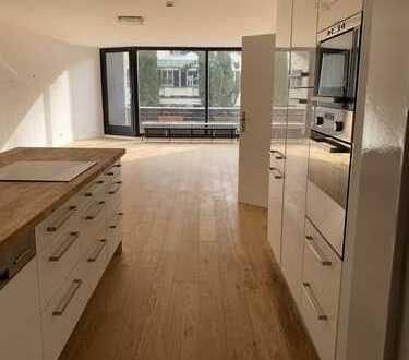 Modernisierte 4-Zimmer-Wohnung mit Balkon und Einbauküche im Herzogpark Bogenhausen