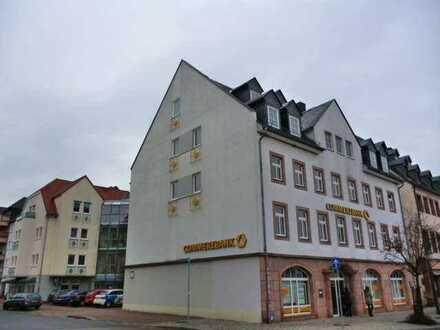 1 Zimmerwohnung mit EBK direkt am Markt! 1 Monat Kaltmietfrei sichern!