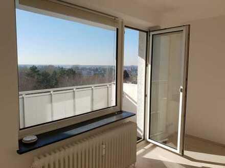 Ihre neue Wohnung wartet auf Sie. 3 Zimmer mit außergewöhnlicher Aussicht. Balkon und Tageslichtbad