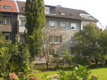 Große 2,5 Zimmerwohnung mit Balkon und Garten in Bergerhausen