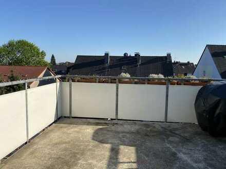 Maisonettewohnung mit vielen Extras: Balkon, 2 Bädern, Kamin und vieles mehr
