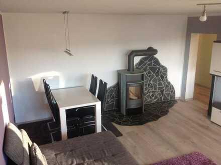 Vollständig renovierte 3-Zimmer-Wohnung mit Loggia und Einbauküche in Waldershof