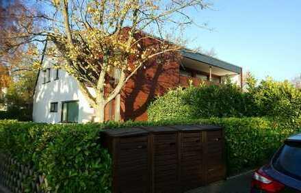 Exklusive, neuwertige 4-Zimmer-Wohnung mit Balkon und Einbauküche in Meerbusch Büderich