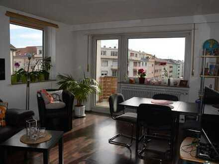 Helle 2-Zimmer-Wohnung mit EBK und Tageslicht-Bad in direkter Nähe zu Hbf und Rhein