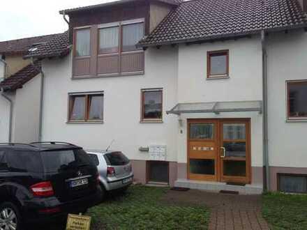 Ruhige Zwei-Zimmer-Wohnung mit Terasse in Heidenheim-Mergelstetten