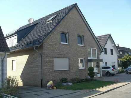 Single Wohnung (Maisonette ) in Mülheim Saarn- Oembergsiedlung