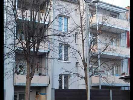 **Moderne 3-Zimmer Wohnung im Altbau mit Balkon nähe Carre/Bad Cannstatt**