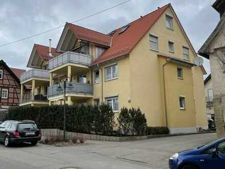 Hochwertige 4 Zimmer Maisonette Wohnung mit 2 Bädern, Balkon & TG