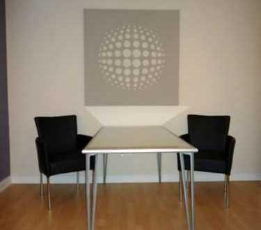 modern möblierte 2-Zimmer Wohnung/ Balkon/ Telefon-und Internetflatrate/ Pauschalmiete 1.180,00€