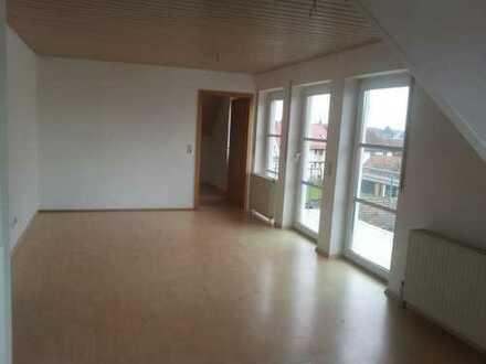 Schöne 2,5-Zimmer-Dachgeschosswohnung mit Balkon und Einbauküche in Horb am Neckar