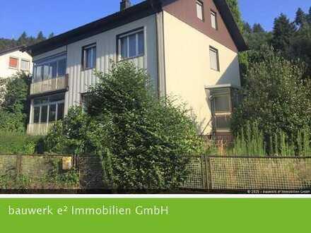 Auf der Sonnenseite von Wolfach: Großzügiges Wohnhaus mit Ausbaureserve