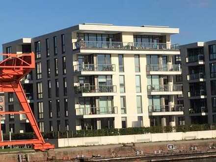 Exklusive 3-Zimmerwohnung mit direktem Blick auf den Neuen Hafen
