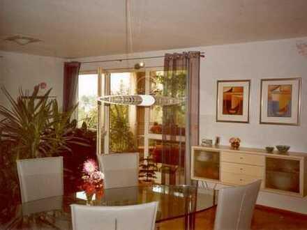 Gepflegte 4,5-Zimmer-Wohnung mit überdachtem Balkon in Rechberghausen