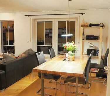 Schöne zwei Zimmer Wohnung in zentraler, ruhiger Lage in Burglengenfeld