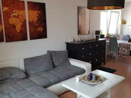 Schöne 2-Zimmer-Wohnung mit Balkon und EBK in Heusenstamm
