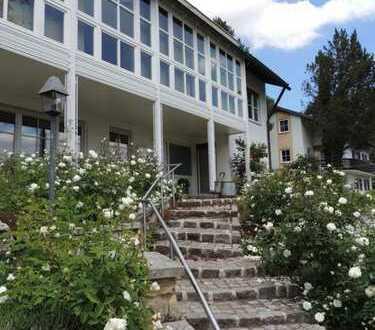 Traumaussicht und Lage bei dieser hochwertigen Villa mit Rosengarten am Immenstädter Kalvarienberg