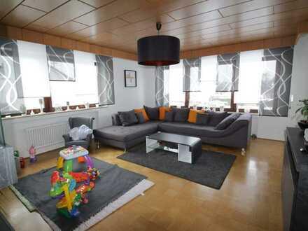 Gemütliche, großzügige 5 Zimmer-Wohnung mit Balkon und Gartennutzung - Dornstadt-Temmenhausen