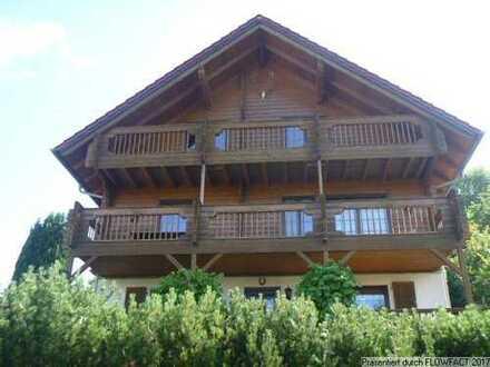 Großzügiges Einfamilienhaus mit Einliegerwohnung in Steinbach