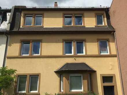 Modernisierte 3-Zimmer-Wohnung mit Balkon in Frankfurt am Main
