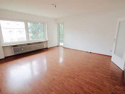 Helle 3-Zimmer-Wohnung mit Balkon in Nürnberg-Weiherhaus