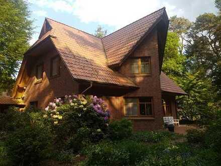 Ein TRAUM - Haus und Grundstück gleichermaßen - in idyllischer und bevorzugter Wohnlage