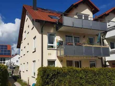 Neuwertige 5-Zimmer-Maisonette-Wohnung mit Balkon und Einbauküche in Maichingen