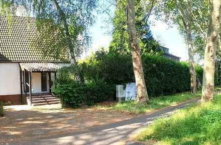 *** Schönes Einfamilienhaus mit besonderem Charme in Köln-Junkersdorf***