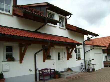 Sehr schöne Doppelhaushälfte mit 5,5 Zimmern im Oberallgäu (Kreis), Weitnau