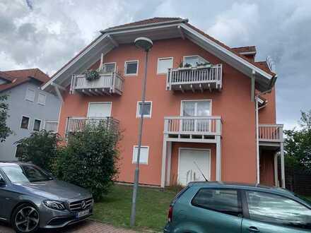 helle 1 Raum Wohnung mit Balkon