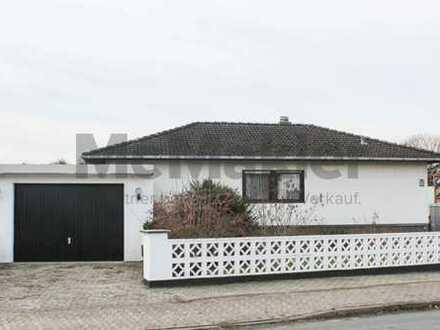 Charmanter 4-Zi.-Winkelbungalow mit Garten, Keller und Garage in ruhiger Lage! Gestaltungspotenzial!