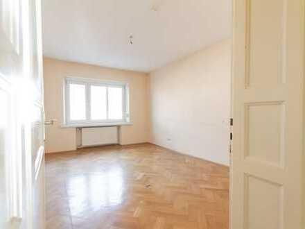 Helle, geräumige 2,5/3-Zimmer-Wohnung mit Balkon in Haidhausen