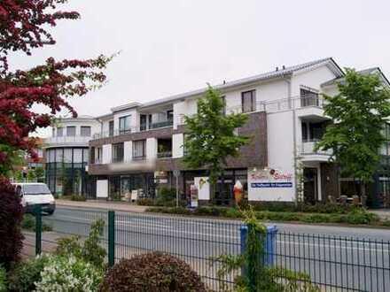Topmoderne, neuwertige 3 Zi.- Eigentumswohnung mit Balkon und PKW-Stellplatz