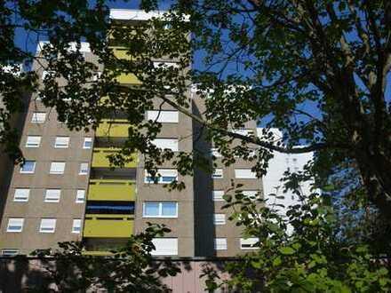 Helle, komfortabel geschnittene 3,5-Zimmer-Wohnung mit Loggia (Richtung Westen) B