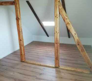 7 Zimmer Wohnung über zwei Etagen mit großer Dachterrasse