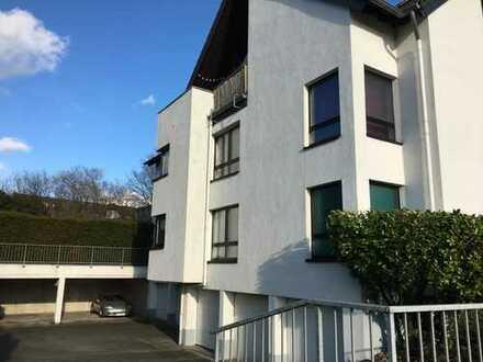 2-Zimmer-Hochparterre-Wohnung mit Balkon und EBK in Haan