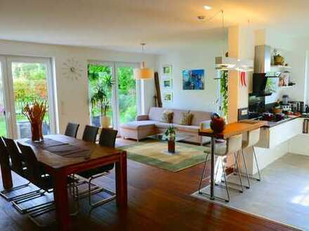 Moderne 4-Zimmer-Wohnung im Essener Süden mit großem Garten, Fußbodenheizung, Tiefgarage uvm.