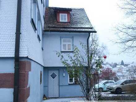 Gemütliche und ganz besondere Singlewohnung mit urigen Holzbalken auf 3 Etagen!