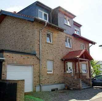 Schöne 3 Zimmer Wohnung mit SÜD Balkon und Terrasse